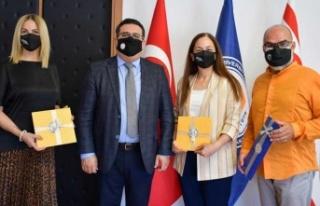 Kıbrıs Polifonik Korolar Derneği'nden DAÜ'ye...