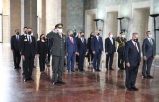Meclisi Başkanı Önder Sennaroğlu, Anıtkabir'i...