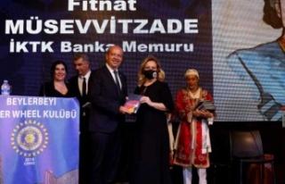 """Ersin Tatar eşi Sibel Tatar ile birlikte, """"Kıbrıs'ın..."""