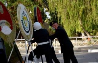 Gaziler Günü Nedeniyle Lefkoşa'da Atatürk Anıtı...