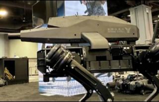Robot köpeklere tam otomatik saldırı tüfeği monte...