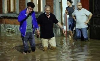 Belçika bir kez daha sular altında!