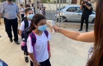 Güney Kıbrıs çapındaki 330 ilkokulda toplam 50,005 öğrenci bugün okula başladı