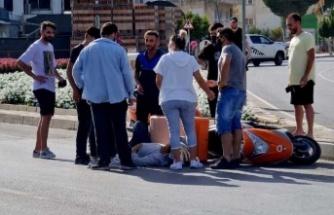 Motosikletle araç çarpıştı: 1 yaralı!
