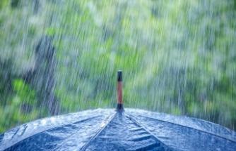 Gazimağusa'da sağanak yağış etkili oldu