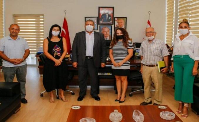 Leymosun Kültür Vakfı, Gazimağusa Belediye Başkanı İsmail Arter'i ziyaret etti