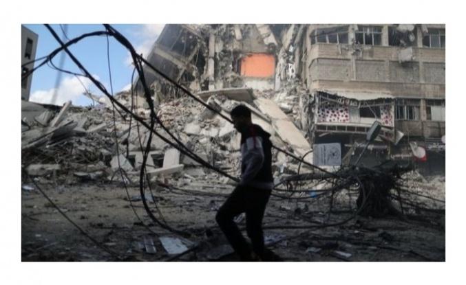 10 bine yakın Filistinli evlerini terk etmek zorunda kaldı